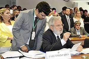 Deputado Ivan Valente durante a sessão