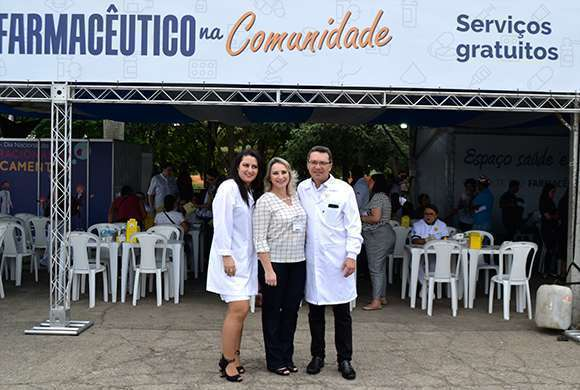 Dra. Danyelle Marini, diretora-tesoureira do CRF-SP, Dra. Luciana Canetto, secretária-geral e Dr. Marcos Machado, presidente do CRF-SP